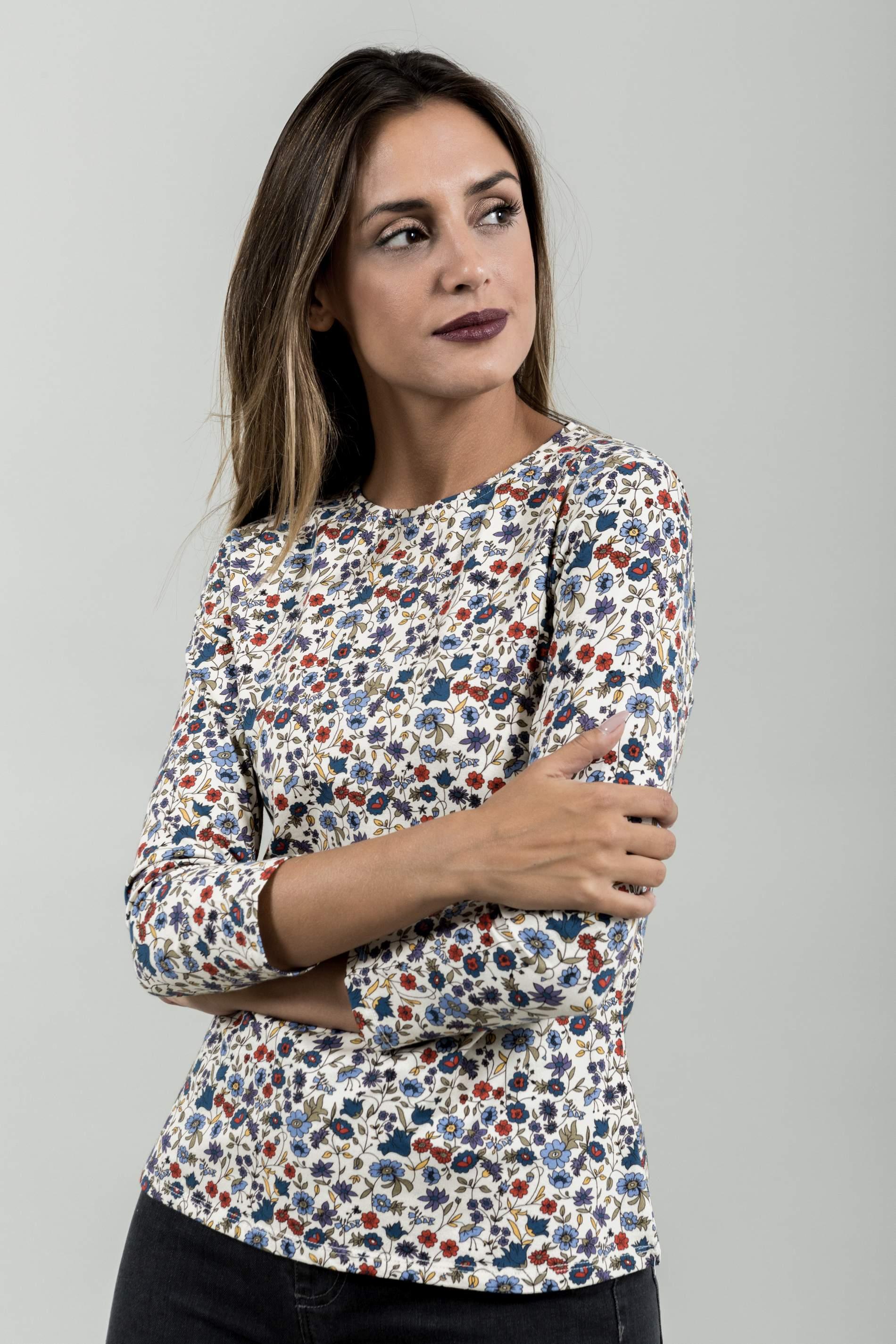 CAMISETA ESTAMPADA FLORECITAS M/FRANCESA