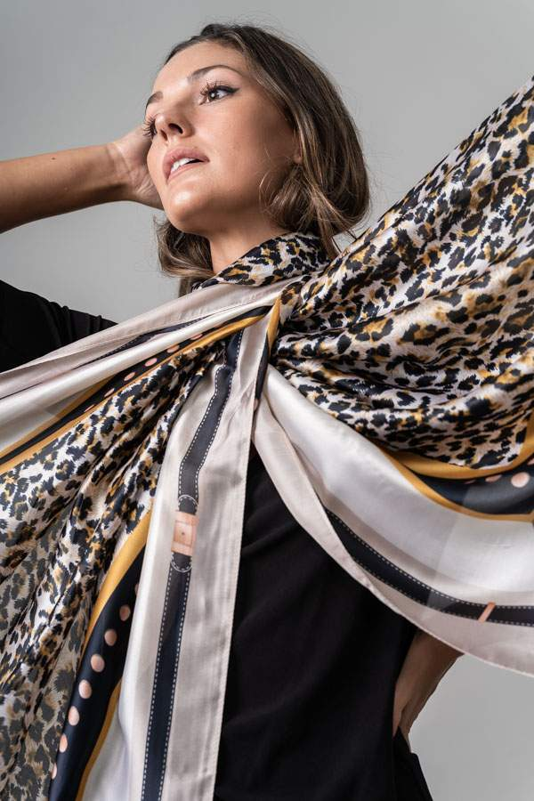 FOULARD EFECTO SEDA ANIMAL
